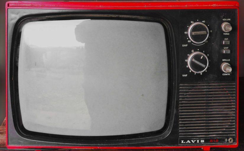 Wieczorny relaks przed telewizorem, czy też niedzielne filmowe popołudnie, umila nam czas wolny oraz pozwala się zrelaksować.